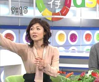 """NHK有働由美子アナ""""ワキ汗""""が話題に"""