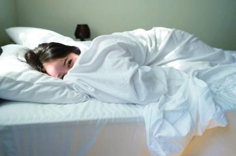 佐々木希 写真集 『かくしごと』 ベッド