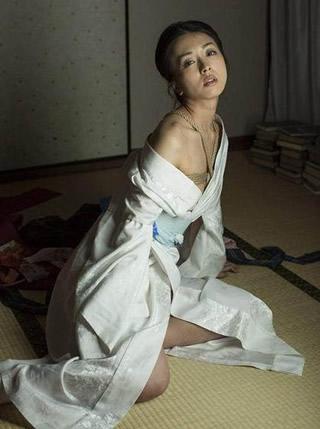 祥子 『D坂の殺人事件』 過激ヌードな画像・動画