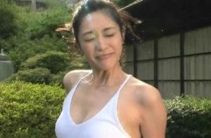 青山倫子 水着(下着)のセクシーな画像