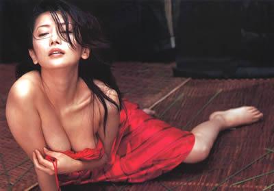 麻生祐未 若い頃のヌーディーなセクシー画像・写真
