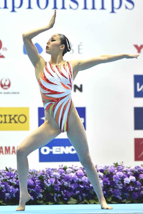 乾友紀子選手 ハイレグ水着 立ちポーズ 画像